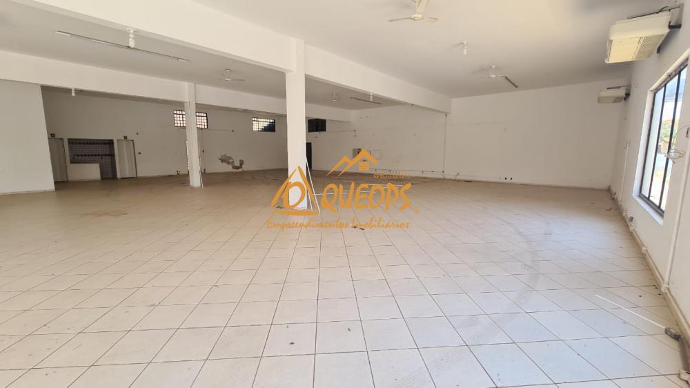 Alugar Comercial / Salão em Barretos R$ 4.500,00 - Foto 3