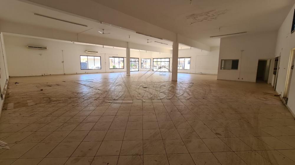 Alugar Comercial / Salão em Barretos R$ 4.500,00 - Foto 4