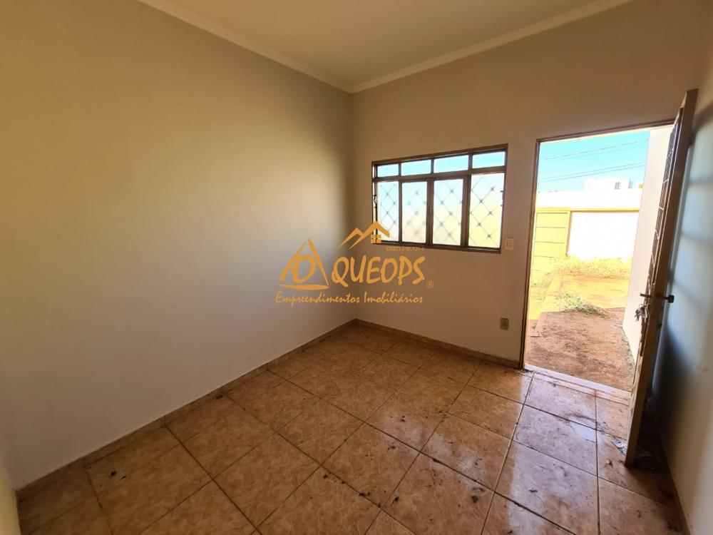 Alugar Casa / Padrão em Barretos R$ 850,00 - Foto 3