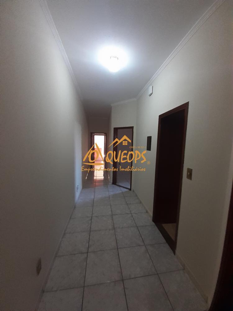 Alugar Casa / Padrão em Barretos R$ 1.500,00 - Foto 5