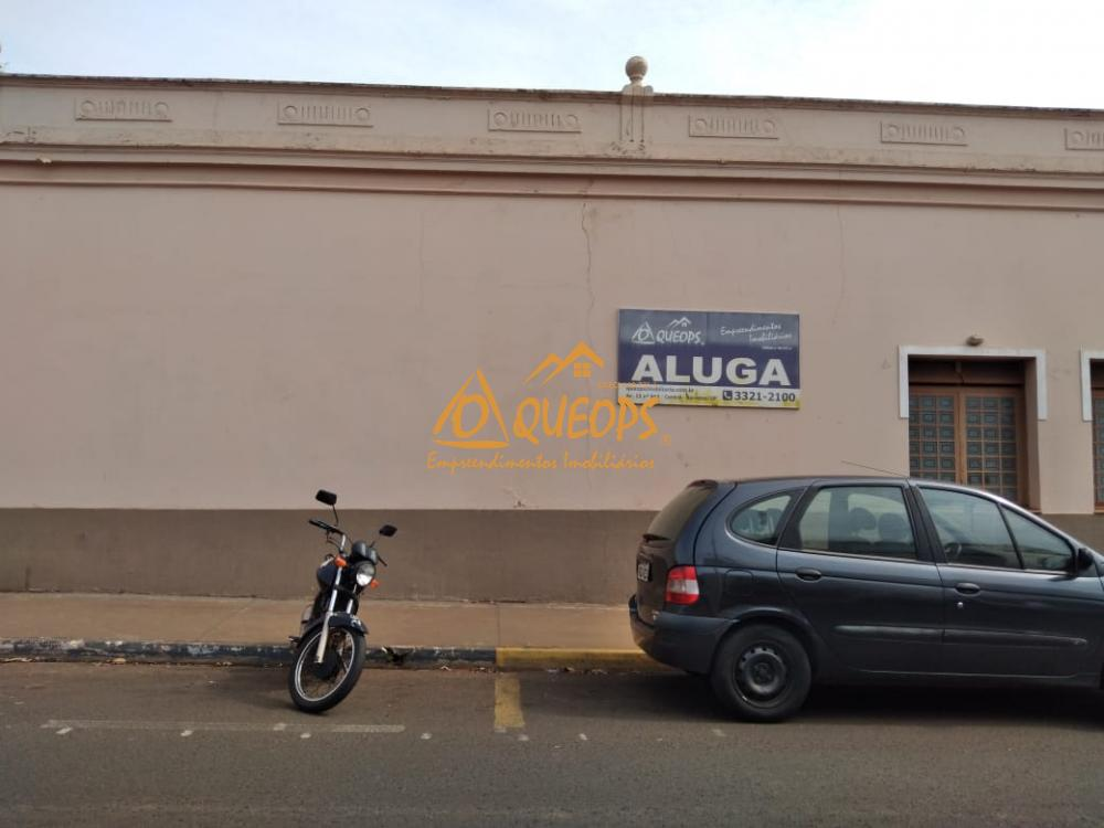 Alugar Comercial / Salão em Barretos R$ 4.000,00 - Foto 2