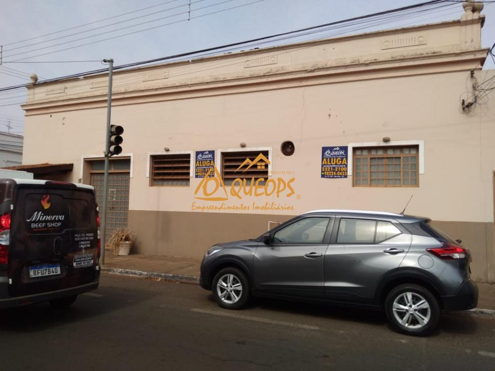 Alugar Comercial / Salão em Barretos R$ 4.000,00 - Foto 3