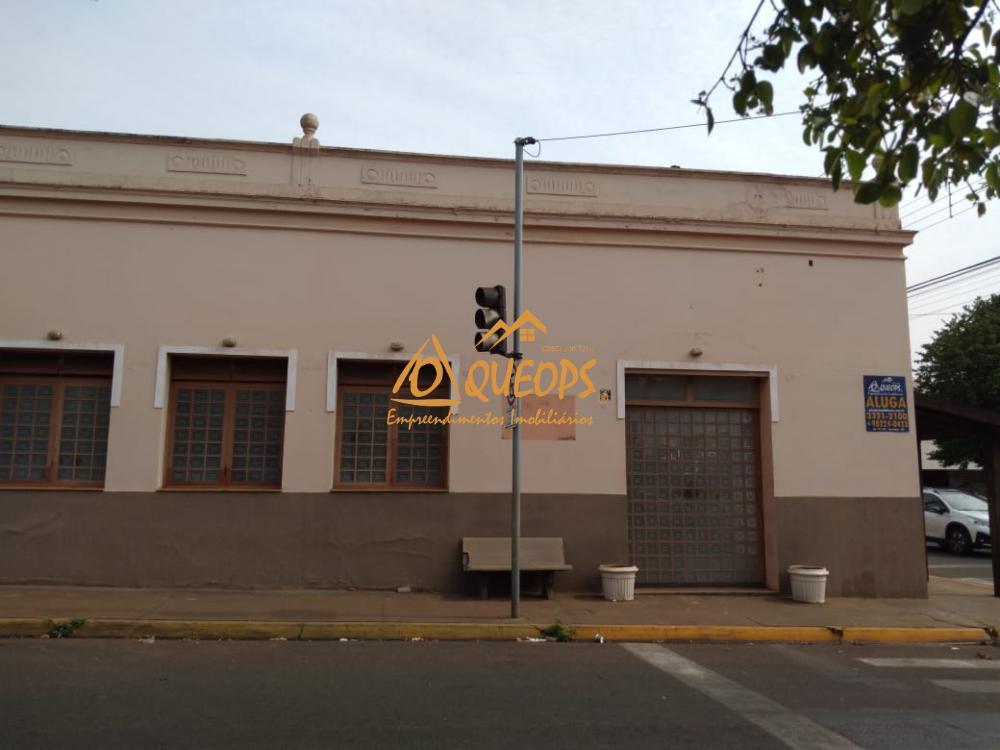 Alugar Comercial / Salão em Barretos R$ 4.000,00 - Foto 1