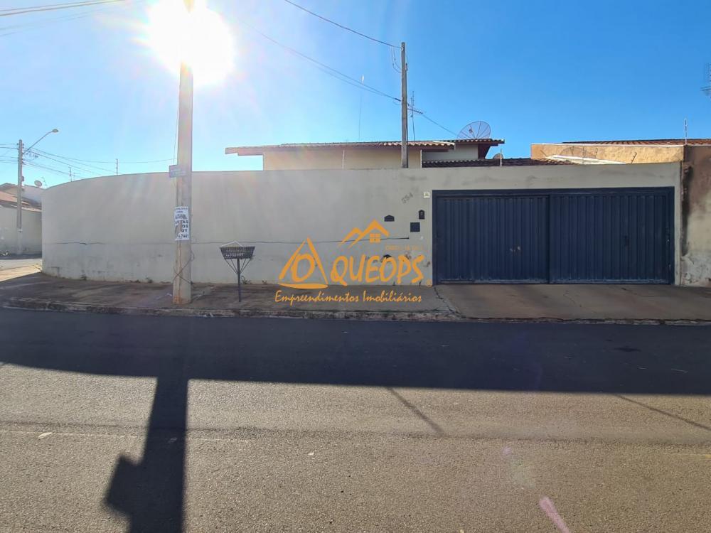 Alugar Casa / Padrão em Barretos R$ 1.174,25 - Foto 1