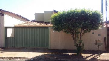 Alugar Casa / Padrão em Barretos. apenas R$ 395.000,00