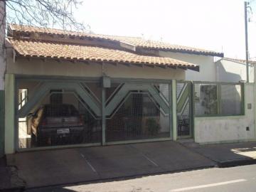 Alugar Casa / Padrão em Barretos. apenas R$ 400.000,00