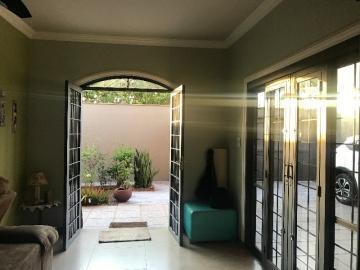 Comprar Casa / Padrão em Barretos R$ 530.000,00 - Foto 4