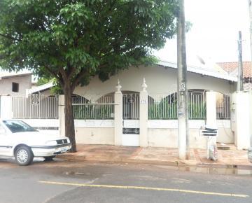 Alugar Casa / Padrão em Barretos. apenas R$ 650.000,00