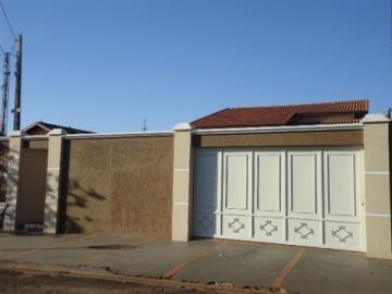 Alugar Casa / Padrão em Barretos. apenas R$ 900.000,00