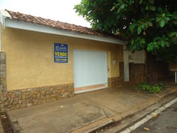 Alugar Casa / Padrão em Barretos. apenas R$ 750.000,00