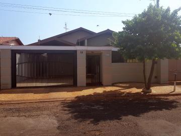 Alugar Casa / Padrão em Barretos. apenas R$ 575.000,00