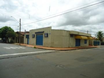 Alugar Comercial / Salão em Barretos. apenas R$ 2.200,00