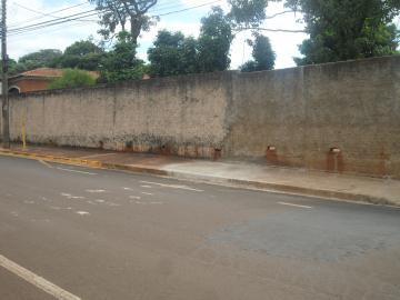 Alugar Terreno / Padrão em Barretos. apenas R$ 498.000,00