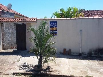 Alugar Casa / Padrão em Nova Europa. apenas R$ 733,46
