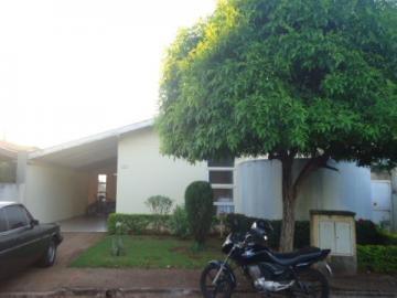 Alugar Casa / Condomínio em Barretos. apenas R$ 250.000,00