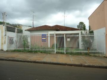 Alugar Casa / Padrão em Barretos. apenas R$ 185.000,00
