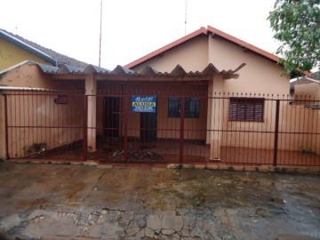 Casa / Padrão em Barretos Alugar por R$800,00