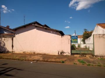 Casa / Padrão em Barretos Alugar por R$600,00