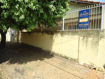 Casa / Padrão em Barretos Alugar por R$850,00