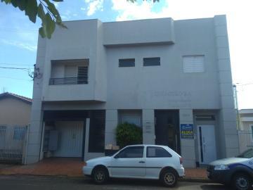 Alugar Casa / Padrão em Barretos. apenas R$ 1.600,00