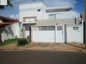Alugar Casa / Padrão em Barretos. apenas R$ 600.000,00