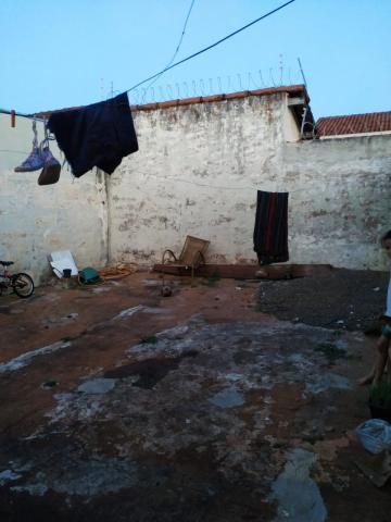 Comprar Casa / Padrão em Barretos R$ 180.000,00 - Foto 16