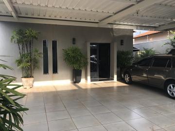 Alugar Casa / Padrão em Barretos. apenas R$ 670.000,00