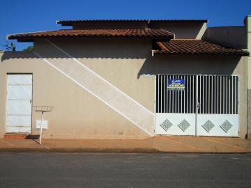 Alugar Casa / Padrão em Planura. apenas R$ 270.000,00