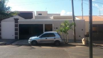 Alugar Casa / Padrão em Barretos. apenas R$ 1.650,00