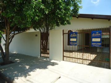Casa / Padrão em Barretos Alugar por R$2.000,00