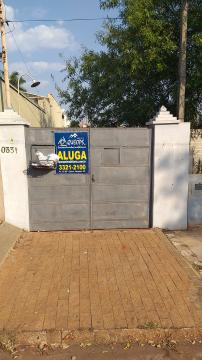 Casa / Padrão em Barretos Alugar por R$950,00