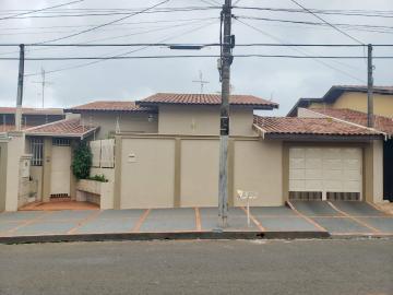 Casa / Padrão em Barretos , Comprar por R$590.000,00