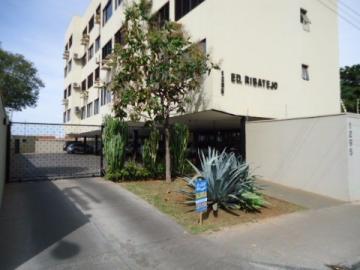 Alugar Apartamento / Padrão em Barretos. apenas R$ 680.000,00