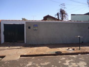 Alugar Casa / Padrão em Barretos. apenas R$ 800,00