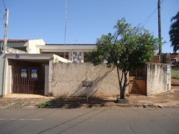 Alugar Casa / Padrão em Barretos. apenas R$ 220.000,00