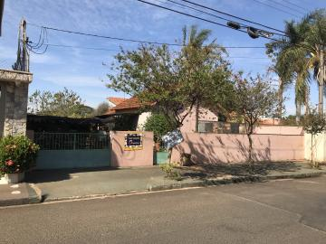 Alugar Casa / Padrão em Barretos. apenas R$ 280.000,00