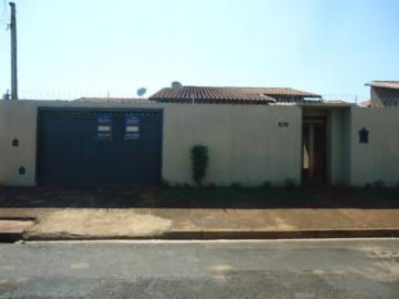 Alugar Casa / Padrão em Barretos. apenas R$ 290.000,00