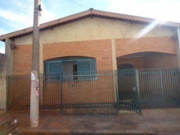 Alugar Casa / Padrão em Barretos. apenas R$ 1.000,00