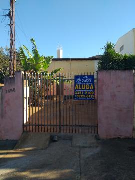 Casa / Padrão em Barretos Alugar por R$700,00