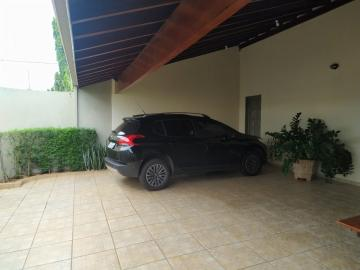 Alugar Casa / Padrão em Barretos. apenas R$ 480.000,00