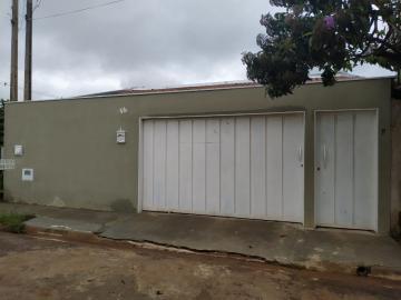 Alugar Casa / Padrão em Barretos. apenas R$ 230.000,00
