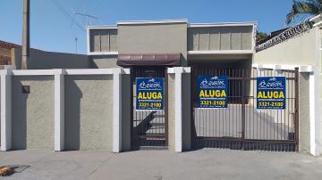 Casa / Padrão em Barretos Alugar por R$1.200,00