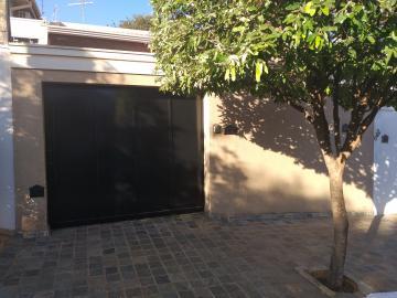 Casa / Padrão em Barretos Alugar por R$1.300,00