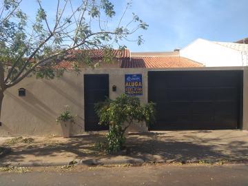 Casa / Padrão em Barretos Alugar por R$1.750,00