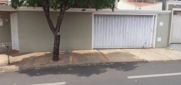 Alugar Casa / Padrão em Barretos. apenas R$ 595.000,00