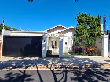 Casa / Padrão em Barretos , Comprar por R$695.000,00