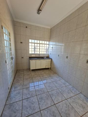 Alugar Casa / Padrão em Barretos R$ 1.700,00 - Foto 17