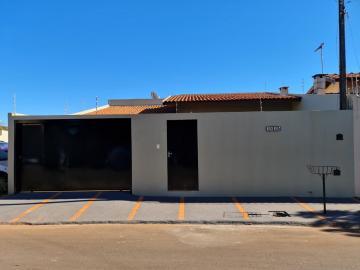 Alugar Casa / Padrão em Barretos R$ 1.700,00 - Foto 1