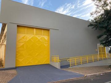 Alugar Comercial / Barracão em Barretos R$ 5.500,00 - Foto 1