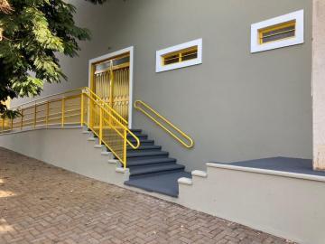 Alugar Comercial / Barracão em Barretos R$ 5.500,00 - Foto 4